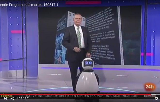 Juanma romero y dumy robot