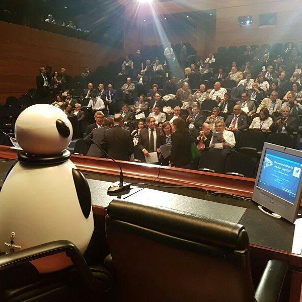 conferencia mundial del atun en vigo dumy robot y anfaco