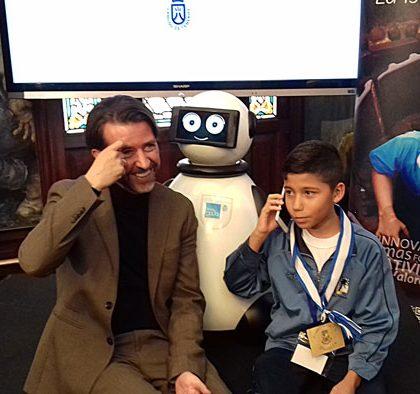 dumy robot presidente por un dia6