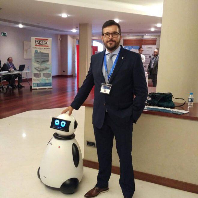 posando con dumy robot vigo anfaco