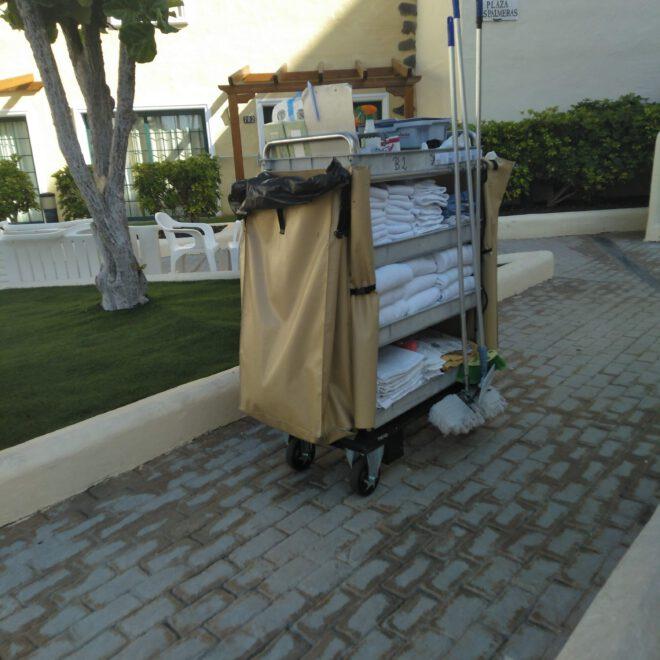carro mecanizado para hoteles trend robotics carbot